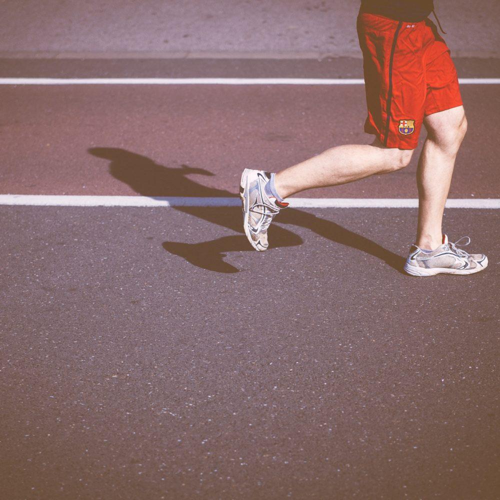 Sportliche Menschen erreichen