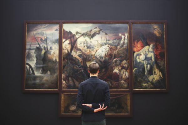 Kunst- und Kulturinteressierte Menschen